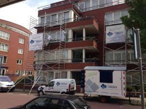 Schildersbedrijf De Groot aan het werk in Den Haag.